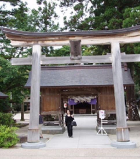 島根の縁結びスポット!八重垣神社