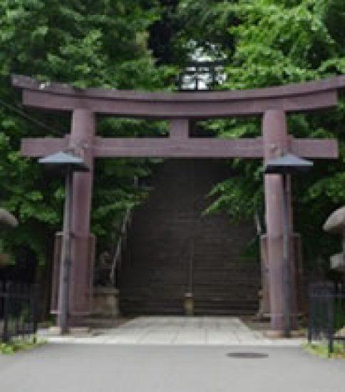 「愛宕神社」で出世の石段を上りましょう
