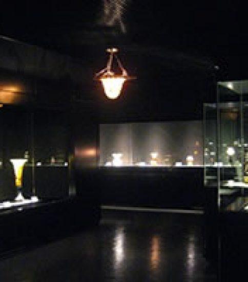 貴重なガラス工芸品を間近に ~大一美術館「エミール・ガレを中心に アール・ヌーヴォー&アール・デコ ガラス名品展」