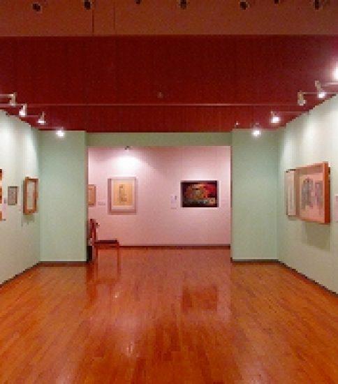 パレットで画家の魅力を再発見〜高浜市やきものの里かわら美術館「画家の魂・パレットとその作品」展